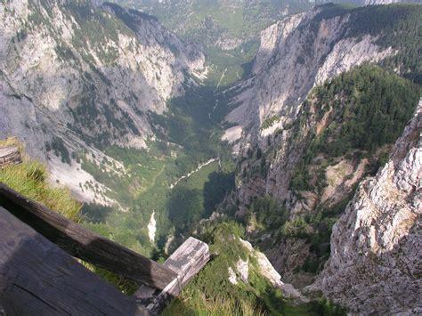 Für diese klammdurchquerung brauchen sie aber auf jeden fall regenkleidung und. Höllentalklamm, Zugspitzmassiv, Grainau, Garmisch ...