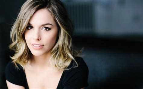 Elise Gatien Age, Height, Bio, Net Worth, Salary, Dating ...