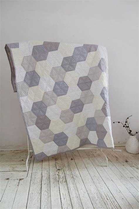 Patchwork Muster Modern by Quilt In Pastel Hexagons Modern Quilt Cotton Quilt