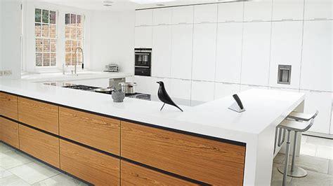 cocinas blancas combinadas  madera luminosos