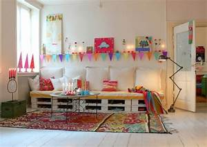 Kleine Couch Für Kinderzimmer : kinderzimmer gestalten mit sofa aus europaletten freshouse ~ Bigdaddyawards.com Haus und Dekorationen