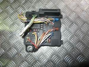 Renault Megane Under Bonnet Fuse Box 8200306033