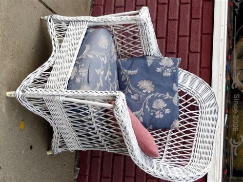 antique ypsilanti white wicker patio chair w cushion