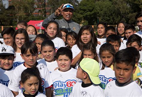 anthony  michael munoz host character camps  super