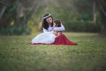Mother Child Hug Background Mood Wallpapers 1080