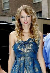 Taylor Swift Photos Photos - Taylor Swift Returning To New ...