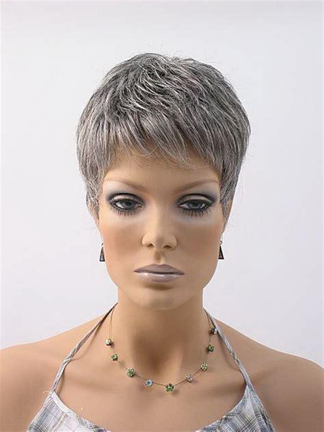 Coupe Courte Cheveux Gris Coupe De Cheveux Court Femme 50 Ans Gris