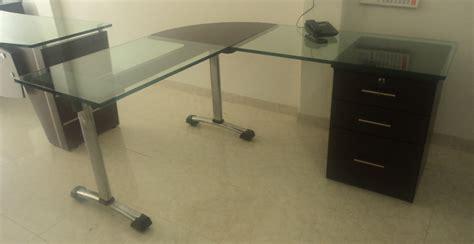 marco muebles escritorios en vidrio