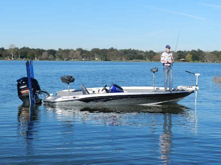 Used Jon Boats For Sale In Central Florida by Central Florida S Boat Dealership New Used Deck Boats
