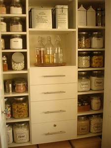 Loseven: Dining Room and Pantry