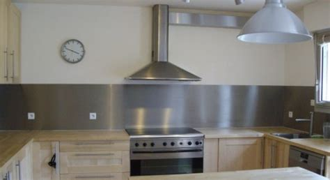 protege plan de travail cuisine cuisine moderne décoration cuisine mariage du bois et