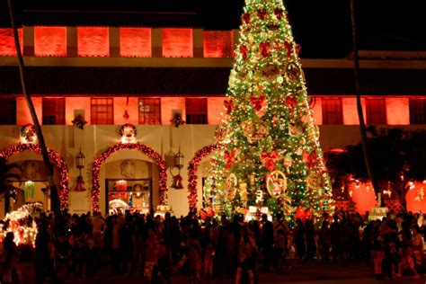 honolulu city lights  hawaiis  visit christmas