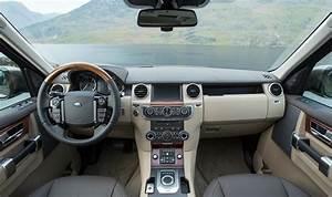 2015 Land Rover Discovery interior color theme