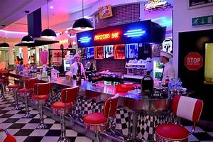 Table A Diner : american diner red chairs cafe free photo on pixabay ~ Teatrodelosmanantiales.com Idées de Décoration