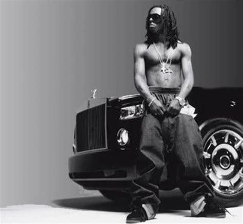 lil boosie    rappers flexing  giant car