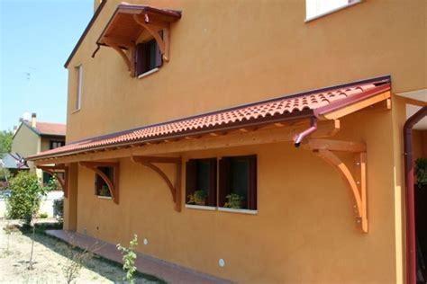 tettoie in legno e tegole amazing pensiline in ferro battuto e tegole kc13 pineglen