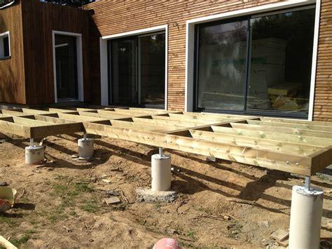 pose de la terrasse une maison 224 ossature bois bbc en