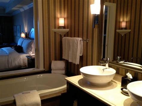 Splash Out In Luxury In Victoria, Bc