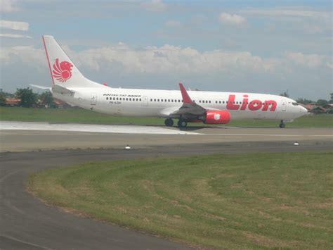 Foto Pesawat Lion Air Batikbesurekcom