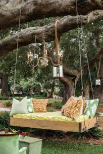 DIY Outdoor Bed Swing