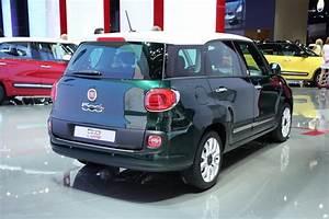 Fiat 500 Toit Panoramique : fiat 500l living la fiat 500 se transforme en salon pour 1 400 de plus salon de francfort 2013 ~ Gottalentnigeria.com Avis de Voitures