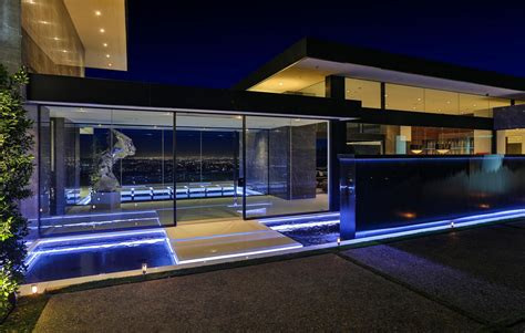 $55 Million Newly Built 14,000 Square Foot Modern Mansion