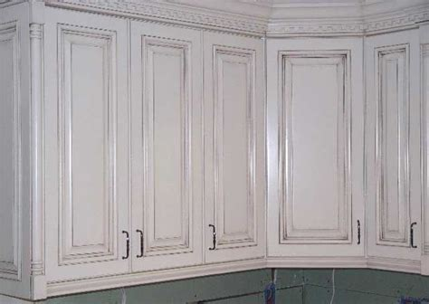 White Cabinets Kitchen Ideas - painted cabinets with glaze rub through quot glaze paint finish decorating ideas