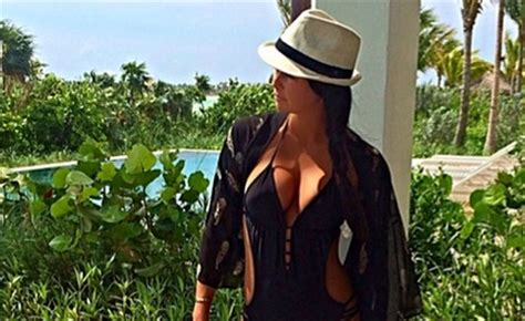 Amanda Dufner's Latest Instagram Is A Picture Of Her Butt ...
