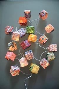 Guirlande Lumineuse Papier : guirlande cubes papier fifi mandirac guirlandes origami ~ Teatrodelosmanantiales.com Idées de Décoration