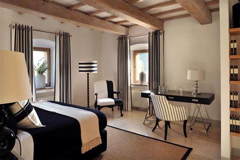 pinterio black white  beige bedroom