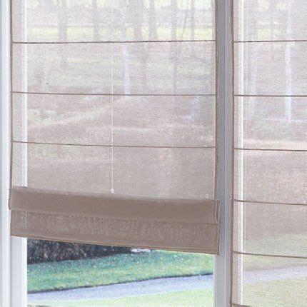 store fenetre cuisine les 25 meilleures idées de la catégorie rideaux de salon sur rideaux de la fenêtre