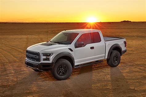 2017 Ford F-150 Raptor Gets New Engine, 10-speed Transmission