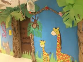africa themed kindergarten door decoration classroom door 676 | 5b7ffe2d6e0bf8e461b350040d4814e4