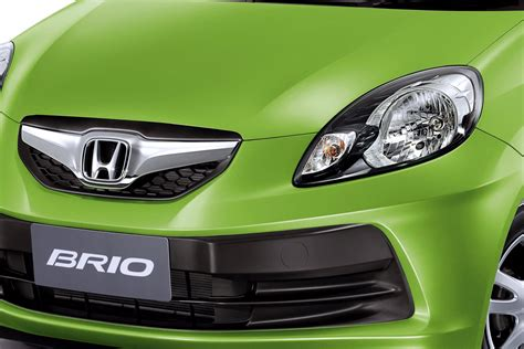 Honda Brio 4k Wallpapers by Green Honda Brio Car Wallpapers Hd Desktop And Mobile