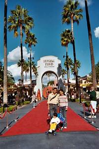 LA Universal Studio Entrance - Ghumakkar - Inspiring ...