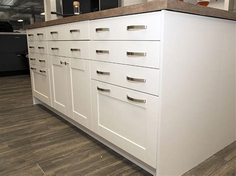 stroemma shaker painted white klearvue cabinetry