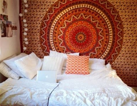 Easy Ways To Decorate Your Dorm Room Living Room Divider Design Ideas Diy Decorating For Red Walls Tv Stand In Quick And Easy Makeovers Paint Colors Images Bar Boynton Beach Furniture Galway