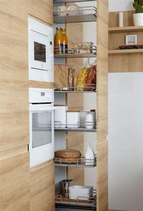 colonne pour cuisine 5 idées pour une cuisine maxi rangement colonne de