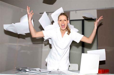 les heures de bureau les infirmiers se mobilisent pour être enfin écoutés