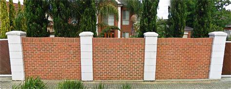 Dinding batu kerikil/ batu kali inovasi dinding dapur minimalis selanjutnya yakni dinding batu kerikil atau batu kali. Pagar Rumah Minimalis Dari Bata Merah - Content