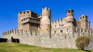 Italy Is Giving Away 100 Castles And Mansions For Free And