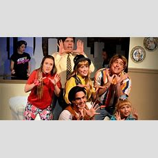 Review 'full House! The Musical!' Lampoons A Ripe Sitcom