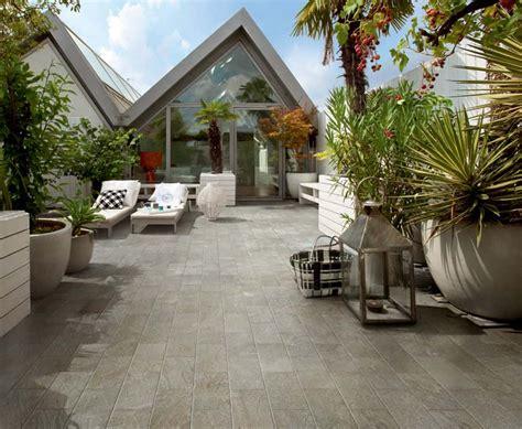 mattonelle per terrazzi come scegliere le piastrelle per esterno piastrelle