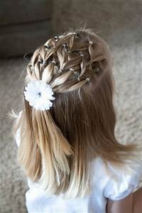 Coiffure Facile Pour Petite Fille : 20 coiffures magnifiques que vous pouvez faire pour votre petite fille coiffure simple et facile ~ Nature-et-papiers.com Idées de Décoration