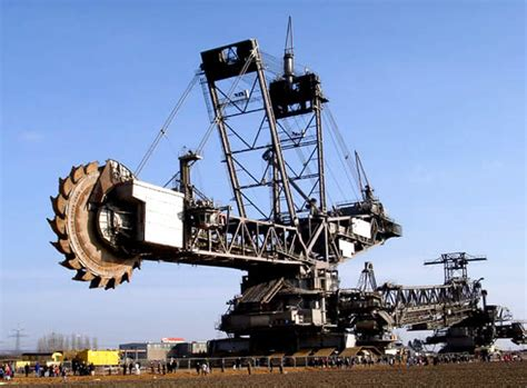 alat berat liebherr humongous 45 500 ton machine the largest digging machine