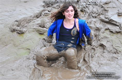 Clothed Girl Covered In Mud Download Horny Older Housewife Covered With Kafechewinfo