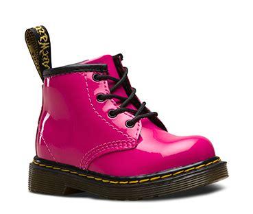 kids boots shoes official dr martens store