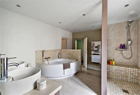 ophrey idee pour renover une salle de bain pr 233 l 232 vement d 233 chantillons et une