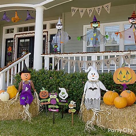 Cute Halloween Yard Stakes by Kid Friendly Halloween Decorating Party City