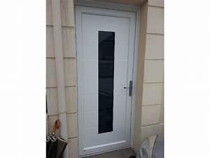 Porte d39entree pvc aluminium blanche vitree for Porte d entrée pvc avec baies vitrées